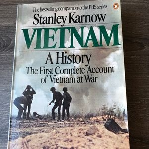 Vietnam: A History by Stanley Karnow Paperback